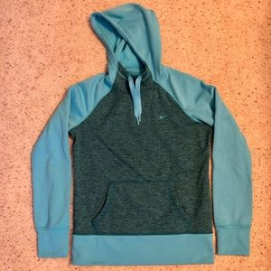 Nike therma-fit aqua hooded sweatshirt